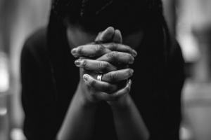 woman praying